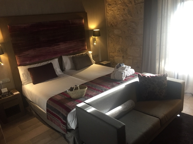 Hotel room at Castilla Termal Monastery of Valbuena