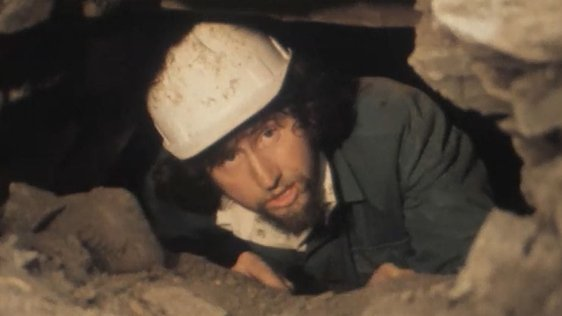 Archaeologist Eamon Kelly (1977)