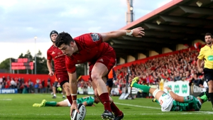 Munster's Alex Wootton touches down for a try
