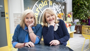 Colette Mann and Val Lehman reuniteon the set of Neighbours