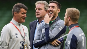 Roy Keane, Stephen Ward and Daryl Horgan share a joke befor kick-off