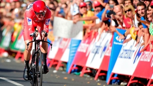 Chris Froome sprints to win the 16th stage of 'La Vuelta'
