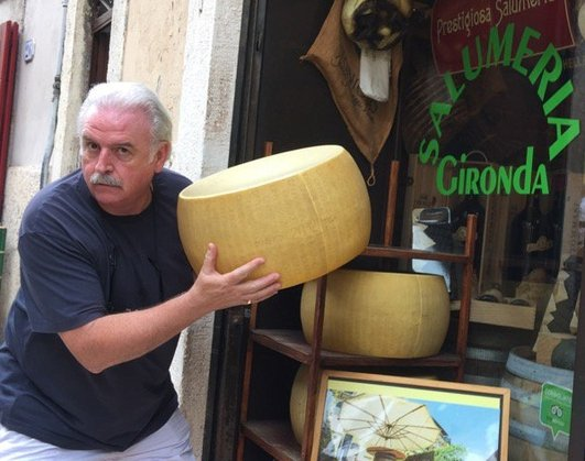 Back on the culinary tour it's time for some beautiful cheese!