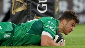Tom Farrell dives over for a Connacht try