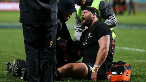 Joe Moody receiving treatment on a dislocated shoulder