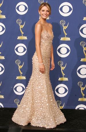 Mischa Barton was a real Hollywood beauty wearing Oscar de la Renta in 2005