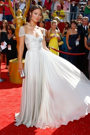 Olivia Wilde stunned in this white Reem Acra gown in 2008.