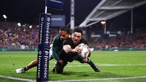 Nehe Milner-Shudder of the All Blacks dives over to score