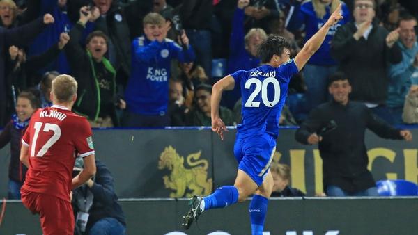 Shinji Okazaki celebrates Leicester City's first goal