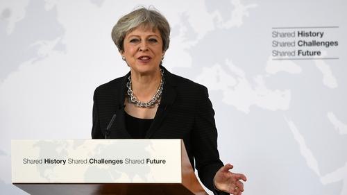 Príomh-Aire na Breataine Theresa May i bhFlórans