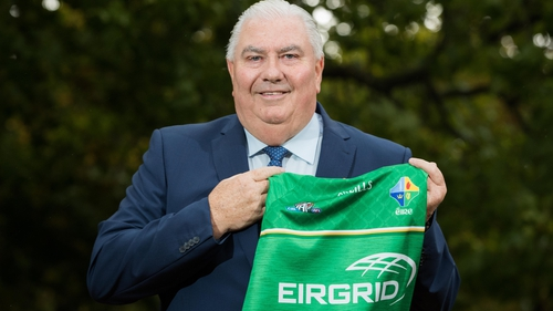 Joe Kernan with the Irish 2017 International Rules Series jersey