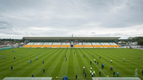 'O'Connor Park can hold 20,000. And we're not allowed anyone in here. It doesn't makesense to me'