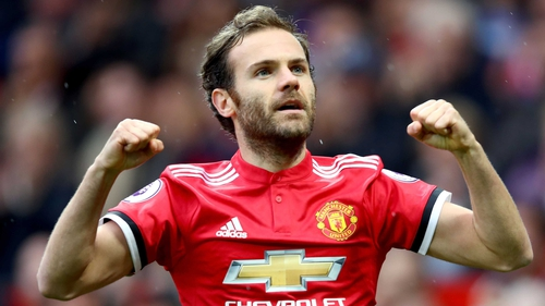 Mata signs two-year Utd deal, extra year option