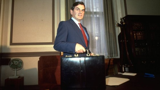 Ray McSharry with budget briefcase (1987)   0713/056