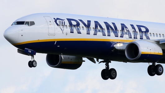 Ryanair calls for restrictions on airport alcohol sales