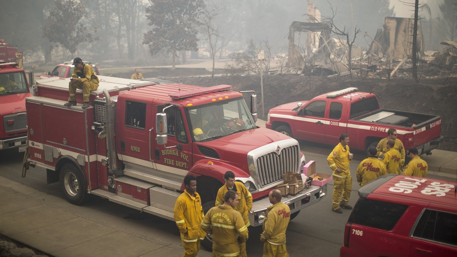 Dry weather could spread California wildfires
