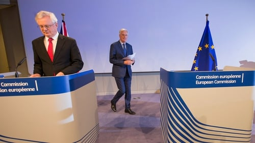 David Davis (L) and Michel Barnier (R) held a joint news conference after this week's talks