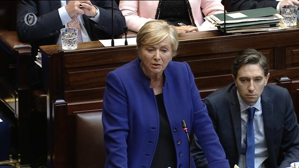 Simon Harris (R) seated next to then Tánaiste Frances Fitzgerald in the Dáil in 2017