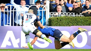 Joey Carbery scores Leinster's opening try against Montpellier