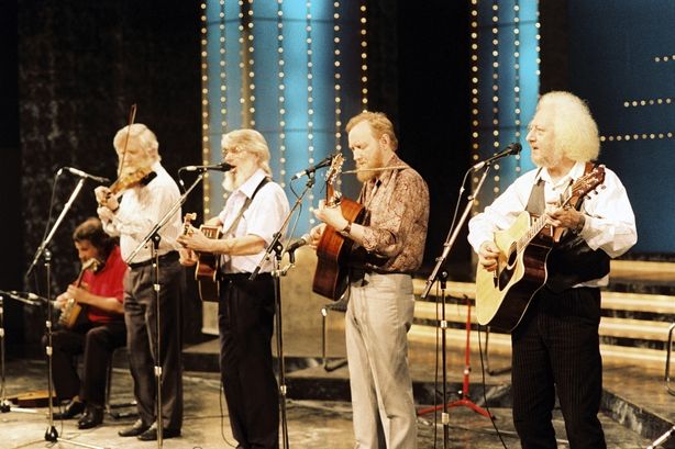 Tributes pour in after the death of The Dubliners' Eamonn Campbell