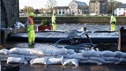 High winds and flooding as Storm Brian hits Ireland | RTÉ News