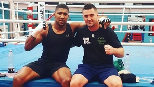 Niall Kennedy (r) claimed his 11th win as a professional