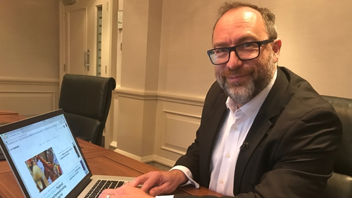 Jimmy Wales said that the problem of fake news is very important