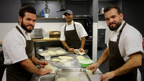 Brothers Mhd Ahyam Orabi (26) and Ahmad Orabi (25), together with Amer Marai (28), are taking part in the 'Far-Fetched Dinner' event in Galway