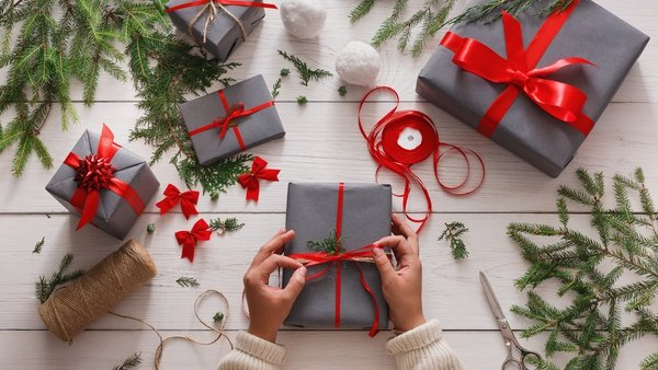Do you still have time to send surprises, pressies, parcels and cards abroad to your loved ones?