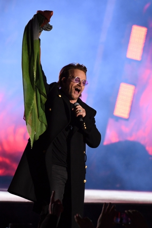 U2 performed in Trafalgar Square. The band were given the Global Icon Award on the night.