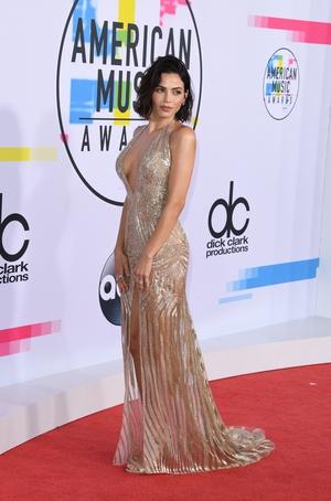 Jenna Dewan Tatum wore a stunning Julien MacDonald gown, John Hardy jewellery and Giuseppe Zanotti heels.