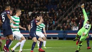 Edinson Cavani completes his hat-trick for PSG
