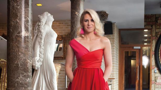 Evanne red dress