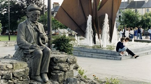 A replica has been made of the original Pádraic Ó Conaire statue that sat in Galway's Eyre Square