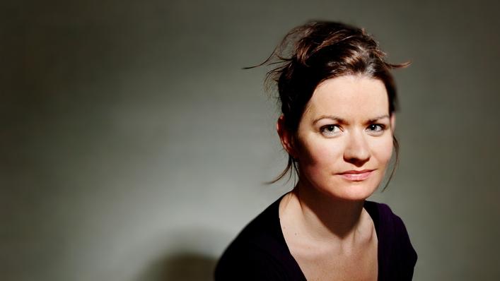 Iarla Ó Lionáird & Crash Ensemble perform Linda Buckley