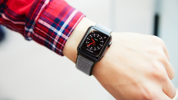 Review: Apple Watch 3 v Fitbit Ionic