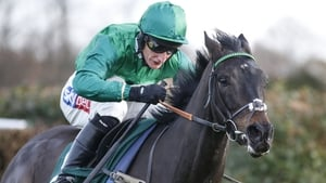 Sceau Royal took the Henry VIII Novices' Chase at Sandown