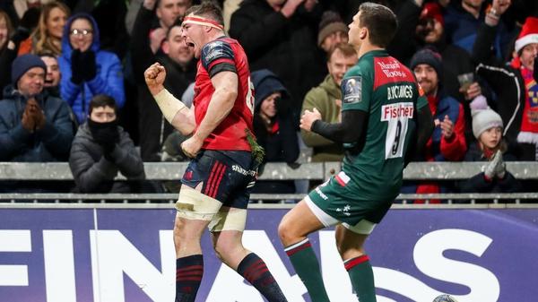 Peter O'Mahony celebrates scoring Munster's third try