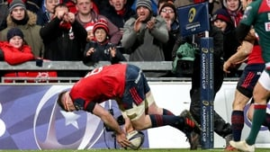 Peter O'Mahony with Munster's third try