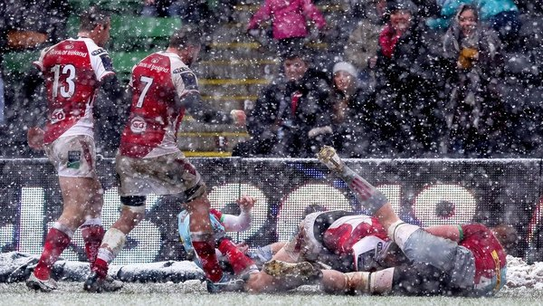 Jacob Stockdale scores Ulster's only try of the game in the first half