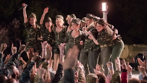Pitch Perfect 3 manages to combine many plot elements harmoniously