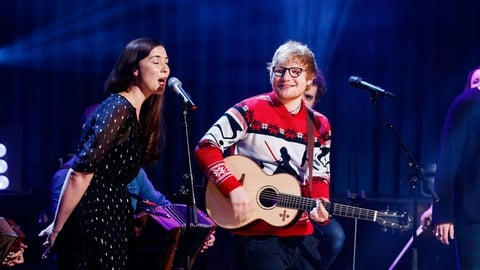 Ed Sheeran, Lisa Hannigan, Picture This & Beoga: 'Fairytale of New York'| The Late Late Show