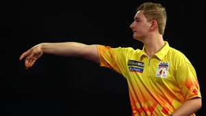 Dimitri van den Bergh overcame Stephen Bunting