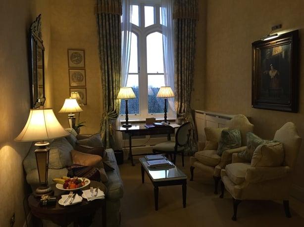 Dromolandcastle sitting room