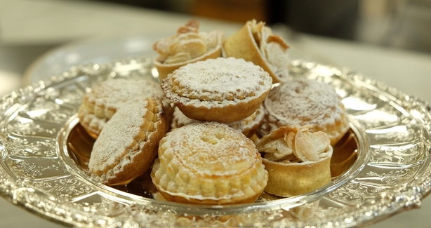 The Queen's mince-pies