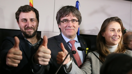 Carles Puigdemont faces arrest if he returns to Spain from Brussels