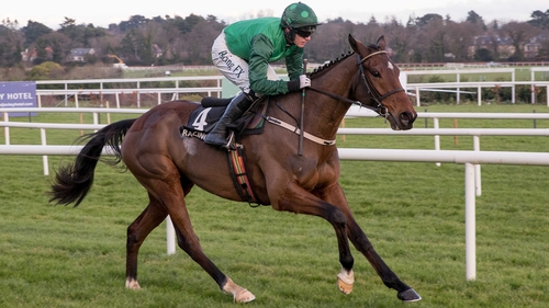 Footpad stormed home to win