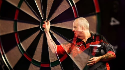 Phil Taylor in action against Gary Anderson