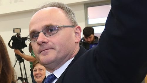 McElduff curtha ar fionraí ag Sinn Féin