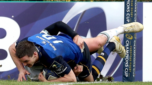 Jonathan Sexton gets over for Leinster's fifth try